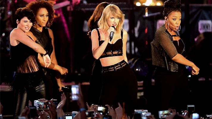 Taylor Swift performs on Hollywood Boulevard