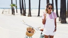 @sincerelyjules goes bike riding in Venice Beach